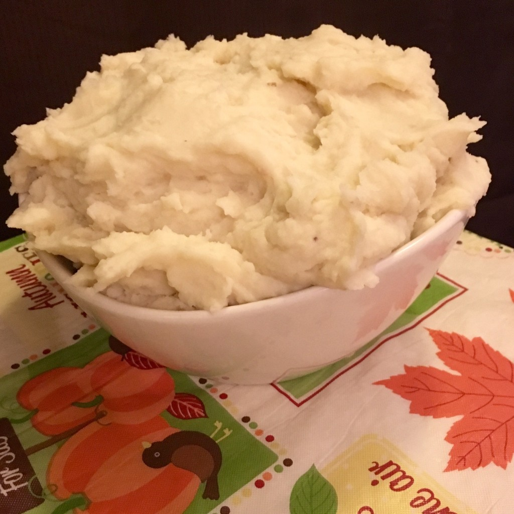 mashed potatoes thanksgiving moms bistro #foolproofthanksgiving best ever side dish