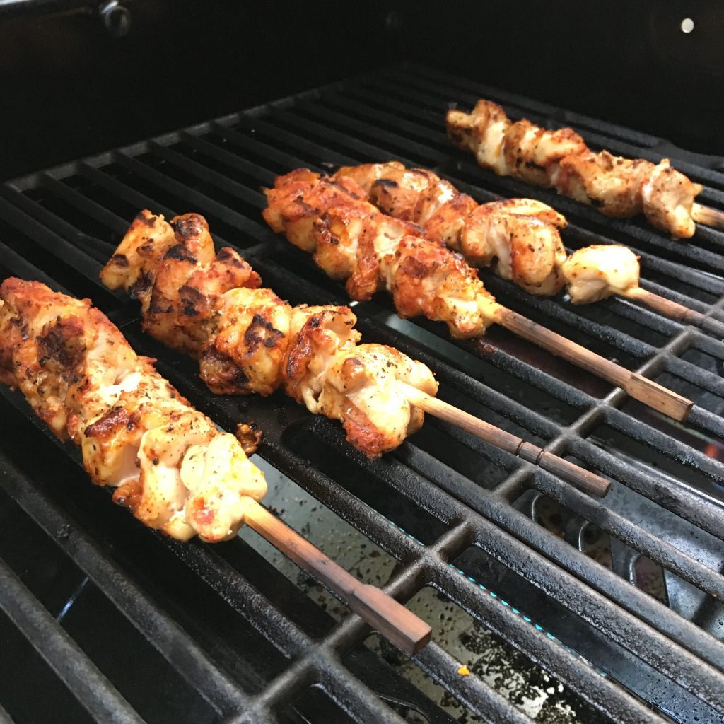how to cook chicken skewers under grill